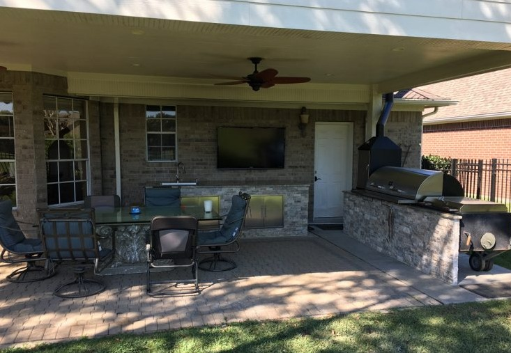 Outdoor Kitchen, Patio Installation, Exterior Remodeling<br/>Katy, TX